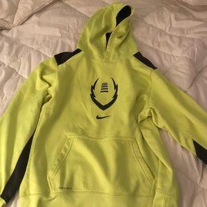 Nike thermal fit sweatshirt kids xl